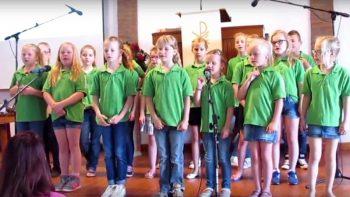 Optreden-Gereformeerde-Kerk-Elim---Kinderkoor-Give-us-Peace