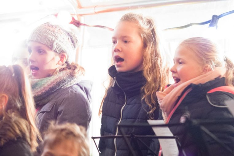 Moonlightshopping 2018 Hollandscheveld - Kinderkoor Give us Peace