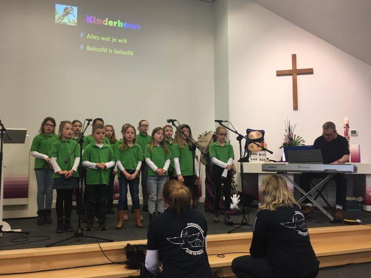 Interkerkelijke Kinderdienst Noordscheschut | Kinderkoor Give us Peace